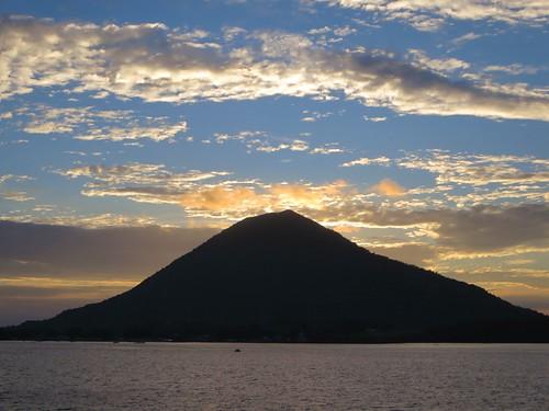 Gunung Api Sunset