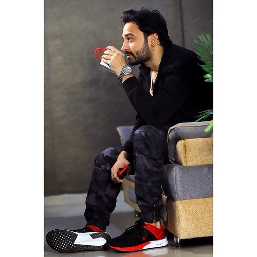 Jaey Gajera on Set / off Set only wears cross trainers Sparx Shoes. This Rebounce Tech gear is also for any runner who likes to switch things up by hitting the Gym / Zumba / CrossFit Buy your Sparx gear today. #JaeyGajera #Bollywood
