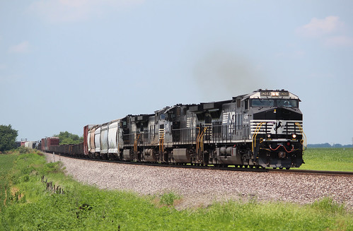 Norfolk Southern 4268 AC44C6M train: 148 Arnold, IL 7-14-19