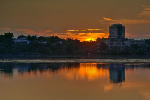 Sunset over Lake Calhoun / Bde Maka Ska