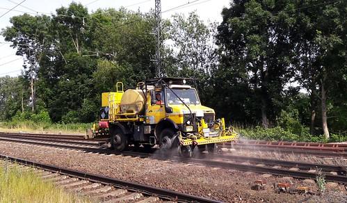 20190710_102318 ...Erwischt....Bundesbahn versprüht GLYPHOSAT und verpestet Umwelt und das Grundwasser_ Foto bei Dieburg in Hessen
