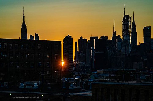 New York City - This one is new, it was shot during my Pulaski Bridge Meetup Saturday Night with the #NYC_Photographers . For the next 7 days I am going to take a break from my tour of Italy shots and, in celebration of my participation in the Single Shot