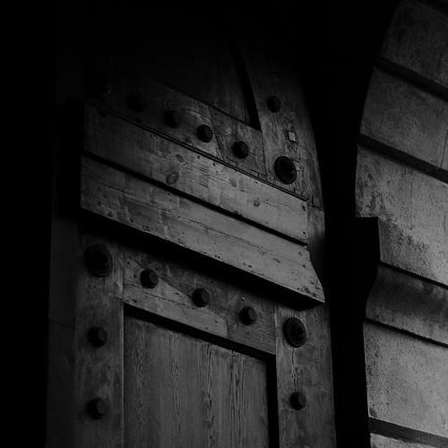 😘🎩💼🔭🔮💺📡📷🎻🎮🎨🎠 #streetphotography #bnw #bnw_captures #monochrom #monoart #monotone #noir #worldtraveler #instagood #instablackandwhite #instafam