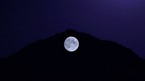 XÀTIVA, LA NOCHE,  LA LUNA  Y LA MONTAÑA .--THE NIGHT, THE MOON, AND THE  MOUNTAIN.