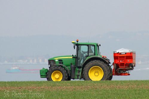 John Deere 7530 Tractor & Spreader