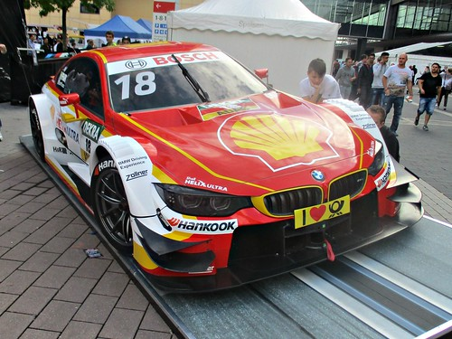 85 BMW M4 DTM (2015)