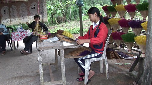 Vietnam - Hue - Incense Stick Manufactoring - 3
