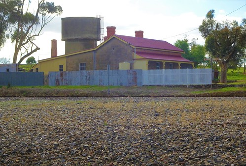 Callington. Established 1849. Copper mining 1850 to 1875. Railway reached here around 1884. Station now demolished. All that remains is the station masters house and water tower. It is on the Adelaide to Melbourne railway.