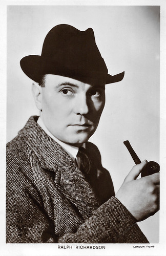 Ralph Richardson in Home at Seven (1952)