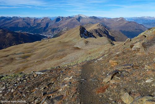 2700 m