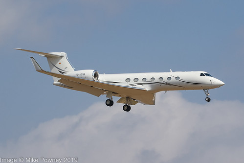 D-AGVA - 2012 build Gulfstream G550, on approach to Runway 24L at Palma
