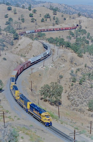 Santa Fe all the way, over, under, around and through Tehachapi Pass in Southern California, 1985