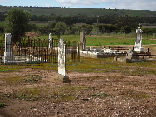 Callington in the Bremer River Valley.  Burials in this early copper mining town cemetery begin in 1864. Most of the headstones belong to German farmers or Cornish miners.