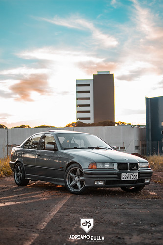 BMW E36 328i Manual + Rodas AC Schnitzer