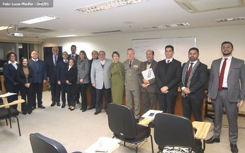 JME participa da entrega de Portarias a membros da Comisão de Direito Militar - OABRS