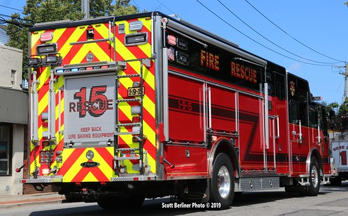 WEST BABYLON, NY FIRE DEPARTMENT RESCUE 15 , 1-9-15