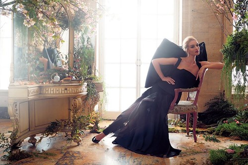 Rosie-Huntington-Whiteley-Harpers-Bazaar-UK-Cover-Photoshoot06