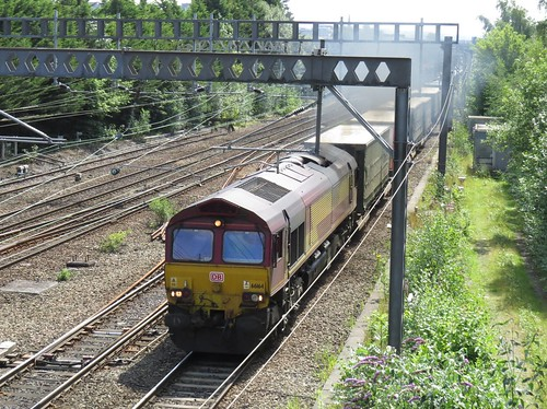 66164 On the diverted Daventry International - Grangemouth at Heaton Norris Stockport 03/08/2019