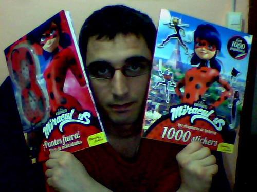 Miraculous Ladybug - Activity + 1000 Stickers Spanish Books / Libros Actividades + 1000 Pegatinas
