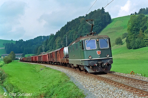 Re 4/4 III SMB Nr. 181 bei Gondiswil, P7289116-1