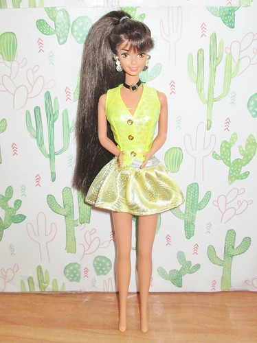 1994 Cut and Style Barbie (brunette)