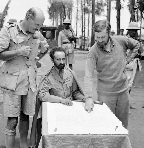 Haile_Selassie,_Emperor_of_Abyssinia,_with_Brigadier_Daniel_Arthur_Sandford_(left)_and_Colonel_Wingate_(right)_in_Dambacha_Fort,_after_it_had_been_captured,_15_April_1941._E2462