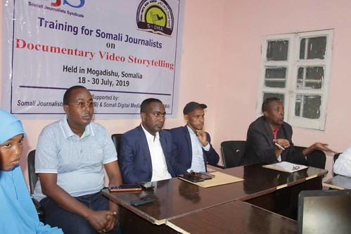 Two-week Course on Documentary Video Storytelling concludes in Mogadishu