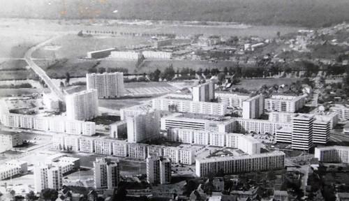 1967-Renardières-camp @ Châtellerault connait dans les trois décennies d'après-guerre un fort accroissement de population 22 800 habitants en 1946, 37 000 en 1975.