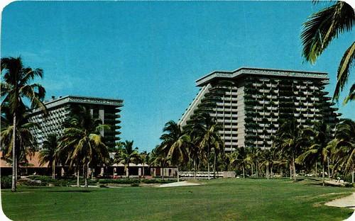 Le temps des Vacançes @ Acapulco. The Golf Course at the Acapulco Princess Hotel. MEXICO