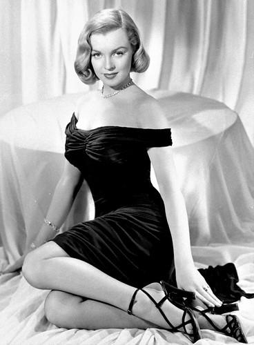 Marilyn Monroe posa para la película