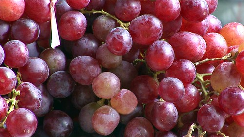 Vietnam - Hanoi - Market - Grapes - 202