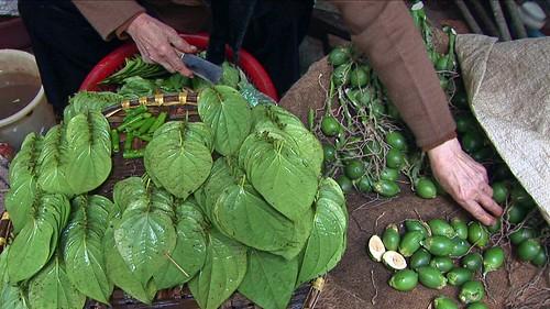 Vietnam - Hanoi - Market - Areca Nut With Betel Leafs