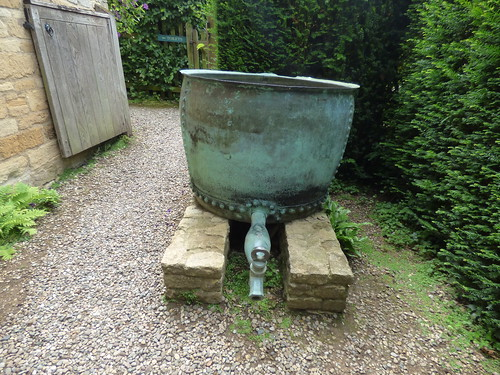 Lodges at Snowshill Manor - Toilets - metal container with a tap