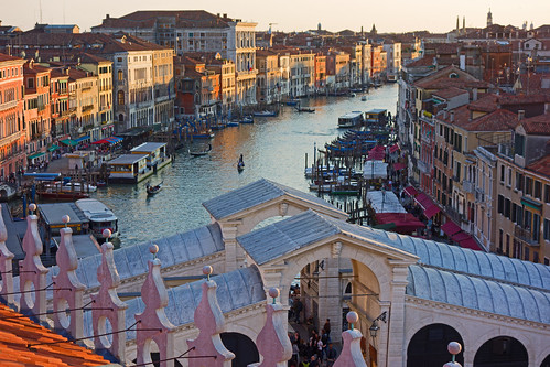 Rialto Bridge - Grand canal - Venice - April  2019