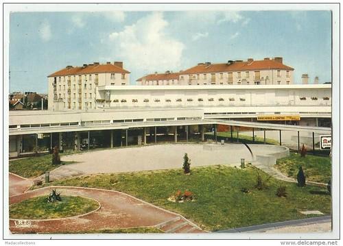 LA CHAPELLE ST LUC AUBE GROUPE MON LOGIS LE CENTRE  COMMERCIAL LE CYGNE ED LA CIGOGNE 1986