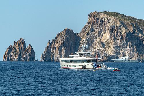 Aeolian Yacht Life