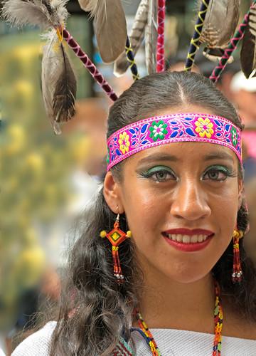Huichola de ojos verdes (Grupo Macuilxóchitl de San Luis Potosí, México, el el Festival Folklórico de los Pirineos (Jaca)