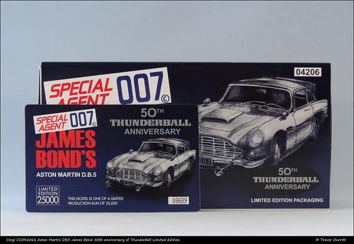 Corgi CC04206S Aston Martin DB5 James Bond 50th anniversary of Thunderball Limited Edition DSC05888