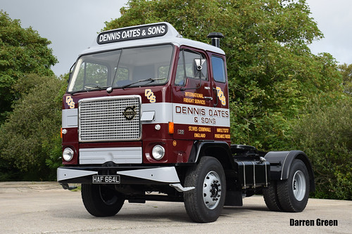 DENNIS OATES AND SONS VOLVO F88 240 HAF 664L