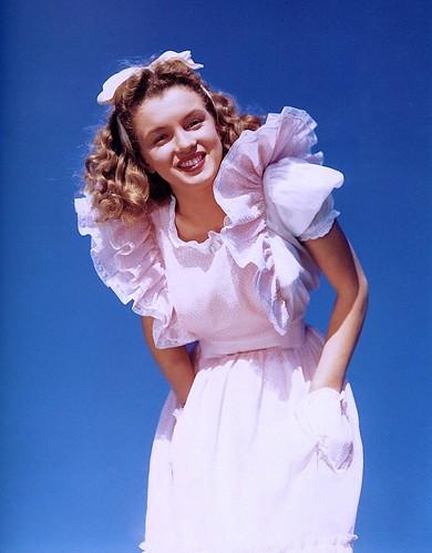 Marilyn Monroe fotografiada por André de Dienes, 1945.