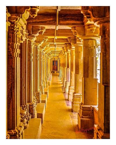 "Looking for the ""X"" factor !!! Look deeper. . . . . @aksgrams @fujifilmxindia . . . . #FocusOnX #worldphotographyday #sandstone #architecture #leadinglines #minimalism #incredibleindia #rajasthan #travel #philosophy #storyinaframe #shadows #indianphotos #"