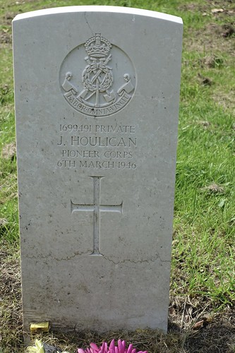 1699491 Private J Houlican