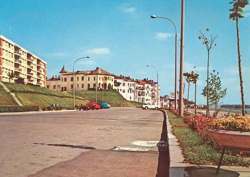 TIGLINA La Falaise dans la zone de l'esplanade, quand on ne communique pas avec port street et les navires,