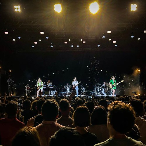 HAIM rocked Pier 17 on Wednesday, er, Tuesday night . . #haim #summergirl #chasesoundcheck #concert #pier17 #southstreetseaport #seaportdistrictnyc #nyc #iloveny #summerinthecity