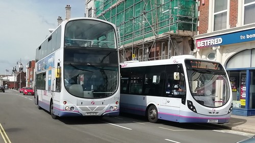 First Hampshire and Dorset 37163 (HY07 FSZ) and 47590 (SN14 ECT) Portsmouth Harbour 21/8/19