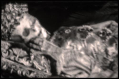 DIE CLOWNFRAU . THE CLOWNS WIFE