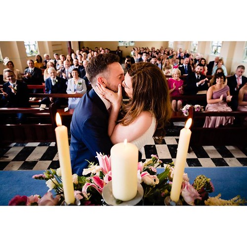 Sinead and JP were strangers who met at a wedding. That day they had no idea that the next time they heard the priest say 'you may kiss the bride' it would be for them 💙💕 😅 . . #realmoments #capturemoments #documentarywed