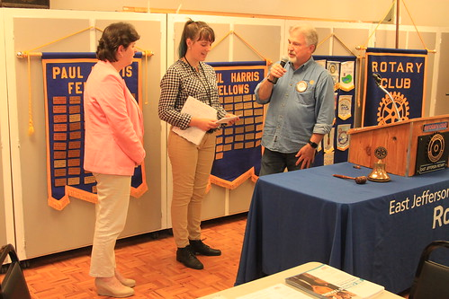 IMG_1473 - Chimacum WA - The Rotary Club of East Jefferson County - Meeting of August 22nd, 2019 - speakers Lorraine Ralston (L), Magdalene Rassmussen with Paul Wynkoop - US Census 2020