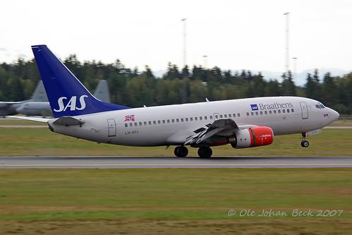 SAS Norge B737-783 LN-RPJ at ENGM/OSL 09-09-2007