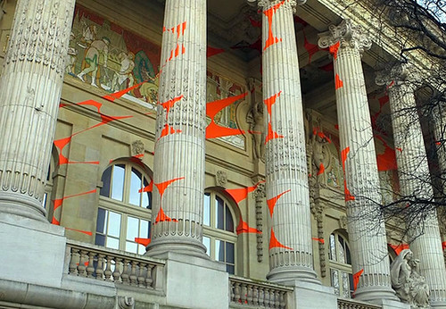 Geometric Projection by Felice Varini in Paris Imgur #paris #illusion #geometric - Popular Inspiration — Designspiration